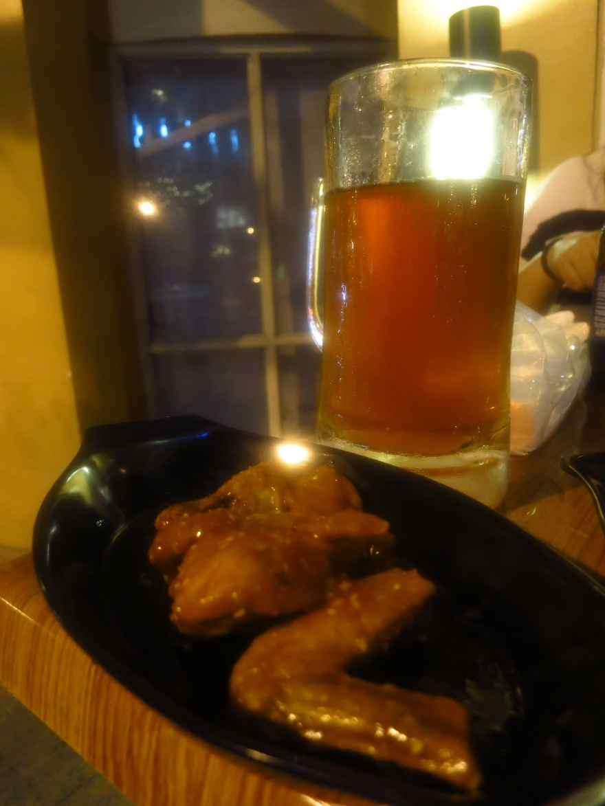 Honey Sriracha Wings and the Indio Pale Ale